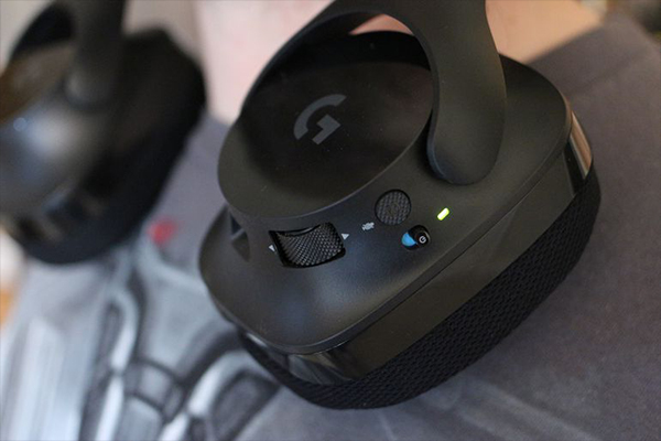 Logitech-G533-Wireless